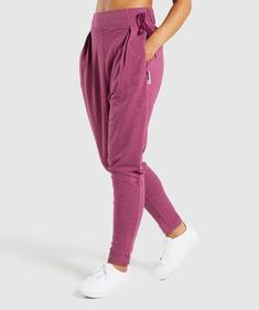 The perfect rest day.- Tapered-to-ankle fit- Functional bows to cinch at waist- Elasticated at the back- Viscose, Polyester, Elastane- Model is Small Waist Workout, Jogging Bottoms, Tracksuit Bottoms, Athleisure Wear, Joggers Womens, Sport Shorts, Dresses Uk