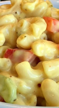 Today's recipe share is a childhood favorite. A summer staple that's so good, it should be made year round, not just for barbecues - Best-Ever Amish Macaroni Salad! This sweet and tangy, super creamy Best-Ever Amish Macaroni Salad Amish Macaroni Salad, Creamy Macaroni Salad, Best Macaroni Salad, Macaroni Recipes, Macorni Salad, Salad Bar, Soup And Salad, Dutch Recipes, Cooking Recipes