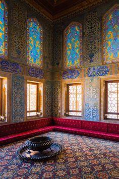 "The Circumcision Room (""Islamic"" Ottoman Architecture, Topkapi Palace, Istanbul, Turkey) Turkish Architecture, Beautiful Architecture, Art And Architecture, Architecture Details, Islamic World, Islamic Art, Palace Interior, Ottoman Footstool, Moroccan Decor"