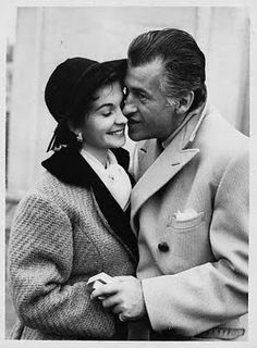 Sweet coat... even sweeter couple. Stewart Granger with his (second) wife, Jean Simmons.
