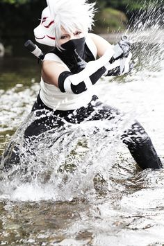kuro Hatakekakashi Cosplay Photo - WorldCosplay; THAT WATER ACTION IS WHAT I CALL A DOPE COSPLAY, AHHHHHHHH