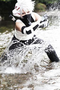 kuro Hatakekakashi Cosplay Photo - WorldCosplay; THAT WATER ACTION IS WHAT I CALL A DOPE COSPLAY, AHHHHHHHH