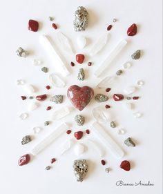 Crystal Mandala, Crystal Grid, Decor Interior Design, Interior Decorating, Reiki, Circles, Noblesse, Crystals, Self Love