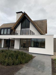 Van Erk Ontwerpbureau - New house Bridge New Modern House, Modern House Design, Future House, My House, Plywood Furniture, House Extension Design, Dream House Exterior, Villa, Facade Architecture
