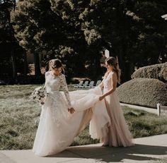 [No title] Wedding Day Wedding Planner Your Big Day Weddings Wedding Dresses Wedding bells Wedding Goals, Wedding Pics, Wedding Day, Lace Wedding, Gown Wedding, Budget Wedding, Bridal Gown, Wedding Bouquet, Wedding Ceremony