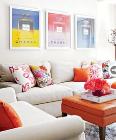 I came across this beautiful home tour via Style at Home and had to share it with you! It belongs to Marlie Waks, sister of Style at Home . Style At Home, My Living Room, Home And Living, Living Room Decor, Modern Living, Ideas Hogar, Decoration Inspiration, Design Inspiration, Beautiful Living Rooms