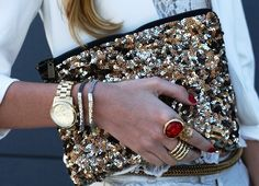 Now that's how you do a purse and jewelry!