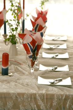My table for the national day. Red, white and blue!