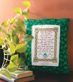 Cross-stitch craft pattern and tutorial makes an adorable home accent in time for St. Patrick's Day.