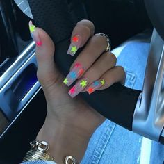 In search for some nail styles and ideas for your nails? Here's our list of must-try coffin acrylic nails for stylish women. Ongles Kylie Jenner, Kylie Jenner Nails, Acrylic Nails Coffin Kylie Jenner, Kendall Jenner, Aycrlic Nails, Glam Nails, Clear Acrylic Nails, Acrylic Nail Designs, Stone Nails
