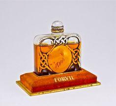 192: 1924 Lalique - Forvil 5 Fleurs Perfume Bottle : Lot 192