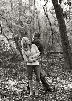 outdoor couple photo ideas | Engagement Pictures / Cute Couples / Engagement Pose Ideas / Outdoor ... Prom Photos, Prom Pictures, Engagement Pictures, Engagement Photo Inspiration, Engagement Session, Engagement Photography, Engagements, Engagement Couple, Wedding Photography
