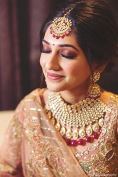 Your bridal makeup can change your entire look! And while we are quarantined at home, you dont need to stop working on planning your wedding. You can use this time to check out beautiful looks cre. Bridal Makeup Images, Best Bridal Makeup, Bridal Makeup Looks, Indian Bridal Makeup, Bride Makeup, Indian Bridal Photos, Indian Bridal Jewelry Sets, Indian Bridal Outfits, Indian Bridal Fashion