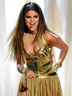 Selena Gomez performs Come And Get It at the Billboard Music Awards