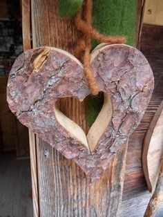 rustico cuore Oh My Heart, Take Heart, Happy Heart, Heart Art, Heart In Nature, Heart Crafts, Wooden Hearts Crafts, My Heart Is Breaking, Be My Valentine