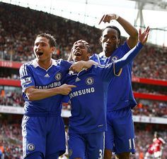 10 May 2009   Arsenal 1-4 Chelsea  ASHLEY COLE (centre) is greeted by FRANK  LAMPARD (left) and DIDIER DROGBA (right) 17f8acfa10de8