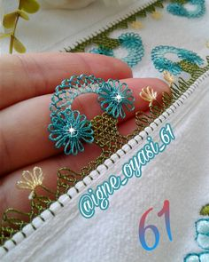 No photo description. – Elif Gecer – Join the world of pin Crochet Borders, Filet Crochet, Knit Crochet, Machine Embroidery Designs, Hand Embroidery, Dear Jane Quilt, Hairpin Lace, Knit Shoes, Needle Lace