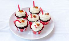 Coca Cola Cupcake Coca Cola Cupcakes, Mini Cupcakes, Muffins, Desserts, Food, Tailgate Desserts, Muffin, Deserts, Essen