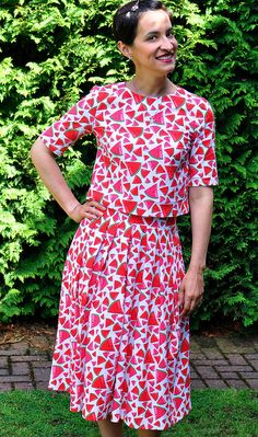 Sew Over It Lizzie Skirt and matching top in amazing watermelon fabric! Skirt Sewing, Skirt Patterns Sewing, Sew Over It, Blouse Dress, Dressmaking, Watermelon, Wrap Dress, Design Inspiration, Amazing