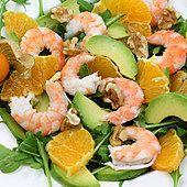 Greek Salad with Shrimp Shrimp Salad Recipes, Best Seafood Recipes, New Recipes, Wolfgang Puck Recipes, Greek Shrimp, Caramelized Onions Recipe, Greek Salad, Easy Food To Make