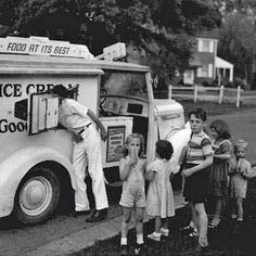"""The Good Humor man drove by our house every night in the summer. We'd all yell """"STOPPPP"""" as loud as we could! I loved chocolate eclairs and strawberry shortcakes. Great Memories, Childhood Memories, School Memories, Good Humor Ice Cream, Good Humor Man, Photo Vintage, Vintage Images, Baby Boomer, Good Ole"""