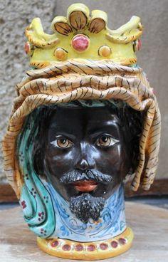 Teste Di Moro in Ceramica di Caltagirone | Ceramiche Brillantino Der Plan, Ceramic Planters, Moorish, My Heritage, Terrazzo, Sicily, Folklore, Faces, Pottery