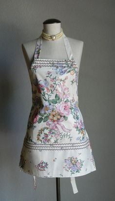 Romantic Full Apron 3 Front Pockets Cottage Chic Vintage Chintz Rose Ribbon Bouquet Fabric