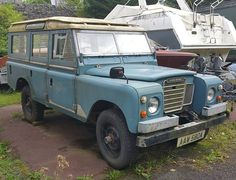 This #series3 #109 #safari is longing for a spanner wielding, swarfega laden, WD40 ridden someone to resurrect it. #landrover #landroverphotoalbum #rustinpeacelr @landrover