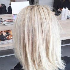 Creamy blonde bobs More