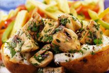 Jazz up your jackets with some garlicky mushroom magic. Transform the simple and understated spud into a sensationally stylish supper. Slimming World Free, Slimming World Dinners, Slimming World Syns, Slimming Recipes, Healthy Eating Recipes, Vegetarian Recipes, Cooking Recipes, Slimmers World Recipes, Meals