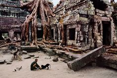 Angkor Wat | Steve McCurry (Cambodia)