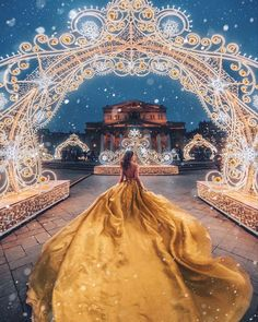 Moda Woow 😍 4 or 5 ? Fantasy Photography, Creative Photography, Photography Poses, Pretty Prom Dresses, Fantasy Gowns, Fairytale Dress, Foto Pose, Quinceanera Dresses, Beautiful Gowns