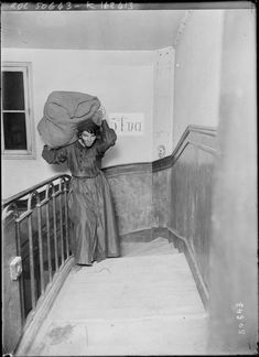 Woman delivering coal in Paris due to the manpower shortage of WWI 1915