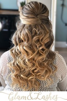 Prachtige 3D krullen in dit bruidskapsel. Halfopgestoken kan op verschillende manieren. Wat zou jou voorkeur hebben? #bruidskapsel #krullen #3D #halfopgestoken #langhaar Healthy Fats, Healthy Choices, Cute Wedding Hairstyles, Extreme Diet, Hairspray, Ponytail, Makeup Looks, Hair Beauty, Glamour