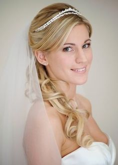 Hair styled to side - Wedding Hair photos. of bridal hair styles - Love Hair Half Up Wedding Hair, Wedding Hairstyles Half Up Half Down, Wedding Hair And Makeup, Wedding Hair Accessories, Bridal Hair, Wedding Veils, Wedding Tiaras, Half Updo, Wedding Hairstyles With Veil