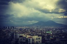 Il Vesuvio fotografato nei suoi cambi d'abito