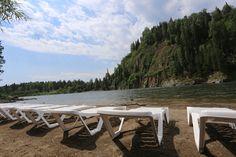 Лето продолжается, температура под +30С, говорят, что август не летний месяц, поверьте у нас это не так, приезжайте и проверьте) А тем временем на пляже самое комфортное место, много солнечного тепла и прохлада от реки создают очень приятный микроклимат. В этом году на Горном Алтае лето безупречно!  P.S. Для страстных и не очень любителей пляжного волейбола мы натянули новую сетку, попробуйте новое качество игры!  #saikolhotel #УрочищеСайкол #летонаалтае #летопродолжается #августлетниймесяц…