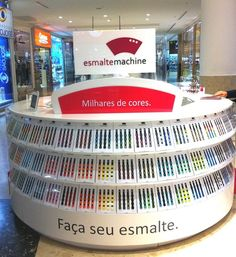 esmalte machine curitiba shopping palladium Kiosk Design, Retail Design, Shop Interior Design, Design Shop, Retail Technology, Manicure, Nails, Popup, Exhibit