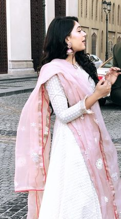 Trendy Dresses, Fashion Dresses, Fashion Cv, Dress Indian Style, Indian Dresses, Pakistani Outfits, Indian Outfits, Dress Paterns, Patiyala Dress