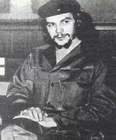 Comandante Ernesto Che Guevara - the Argentine-Cuban guerrilla fighter, revolutionary leader,. Cuba Fidel Castro, Che Guevara Images, Ernesto Che Guevara, Guerrilla, Popular Culture, Revolutionaries, Storytelling, Cool Photos, Photo Galleries