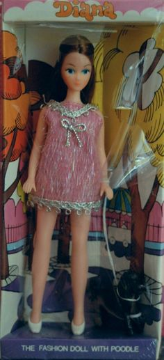 Dawn dolls were just over 6 inches tall, with different hair and skin colors and most popular during the Today, they're collectors' items. Vintage Toys 1970s, Vintage Barbie Dolls, Retro Toys, Vintage Items, Tiny Dolls, Old Dolls, Childhood Toys, Childhood Memories, 1970s Childhood