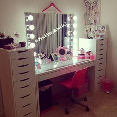 The perfect furniture set up makeup vanity area , makeup storage, ikea alex drawers, ikea micke desk, diy hollywood vanity mirror with light strips from lowes Rangement Makeup, Diy Rangement, Ikea Makeup, Makeup Rooms, Diy Makeup, Makeup Dresser, Makeup Desk, Makeup Hacks, Vanity Room