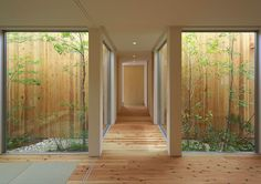 Pasillos, vestíbulos y escaleras de estilo moderno por arbol