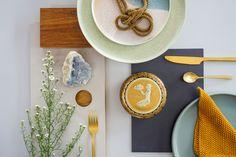 Een nieuwe keuken? Leuk! Maar wat is er veel te kiezen. Voor ons droomhuis willen wij graag een duurzame keuken kopen. Hier deel ik onze zoektocht. Verrassing: de duurzaamste opties zijn tegelijk ook het goedkoopst. Lees je mee? Het duurzaamst: gebruik wat je al hebt Misschien niet het antwoord wat je verwacht als je op… Nature Paintings, Table Decorations, Interior, Furniture, Home Decor, Seeds, Decoration Home, Paintings Of Nature, Room Decor