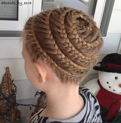 Spiral Lace Braid - Hairstyles How To
