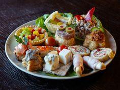 Party Platters, Design Case, Wedding Menu, Cobb Salad, Tapas, Sushi, Ethnic Recipes, Euro, Food