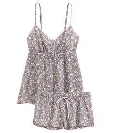 Shop online for a wide range of ladies' nightwear at H&M, from comfortable pyjamas and pretty nighties to cosy dressing gowns and loungewear. Cute Lazy Outfits, Classy Outfits, Lingerie Sleepwear, Nightwear, Cute Pajamas, Comfy Pajamas, Pajama Outfits, Pyjamas, Pajama Top