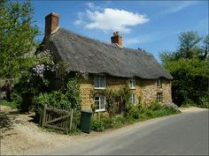 Thatched roof. English cottage