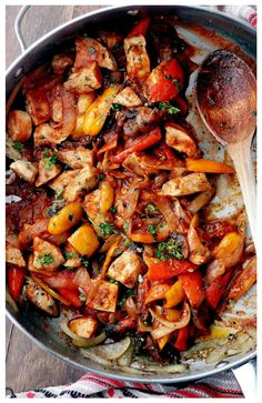 Super quick, flavorful chicken, combined with tender veggies and a Pasta Sauce.