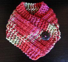 Cuello con botones / red cowl button by Suhyza